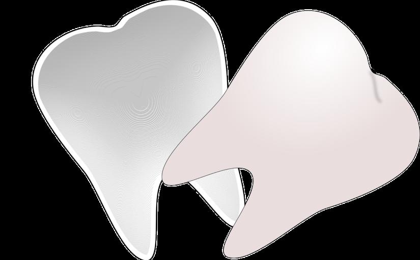 Ładne nienaganne zęby dodatkowo powalający prześliczny uśmieszek to powód do płenego uśmiechu.
