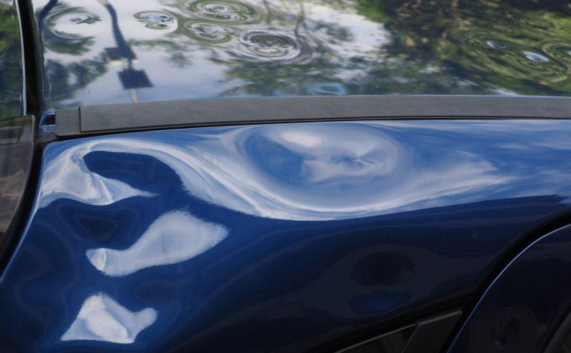 Miałeś zdarzenie drogowe? Ktoś przerysował Ci auto pod biurem?